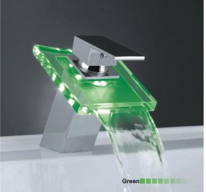 Grifo led cascada modelo lenox tutiendadecoracion for Grifo en cascada